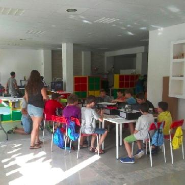 Fet a Girona- Innova Didàctic: Especialistes en robòtica didàctica per fer evolucionar l'educació